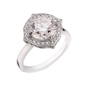 Solitaire engagement ring by Stephen Webster featuring 18-karat fairtrade and fairmined gold.
