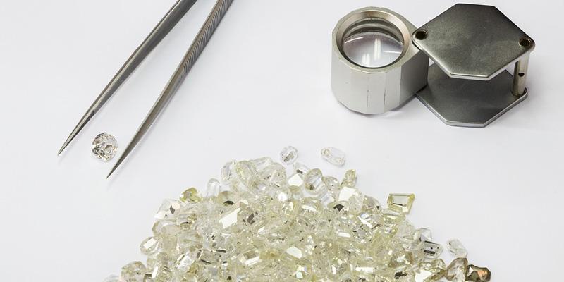 SB_bigstock-Jeweler-s-Equip