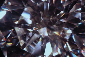 Dark-field illumination—a standard clarity grading environment for diamonds—can have some limitations when dealing with highly dispersive stones and low-relief inclusions.