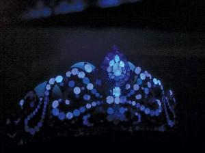 All Argyle diamonds fluoresce strong blue under long-wave fluorescence.