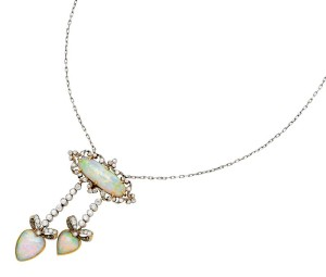 Belle Époque negligée pendant necklace with crystal opals and diamonds set in platinum. From Tiffany & Co., circa 1900.