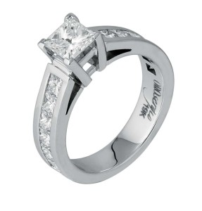 19-karat white gold ring by Orosergio, with 1.05-carat princess-cut diamond and 12 princess-cut sides (1.39 ctw).