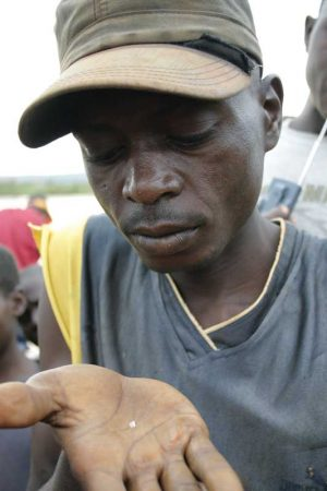 1.-DRC-Diamonds_PAC