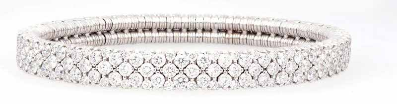 'Cashmere' diamond bracelet (8.88 ctw) in 18-karat white gold by Roberto Demeglio.