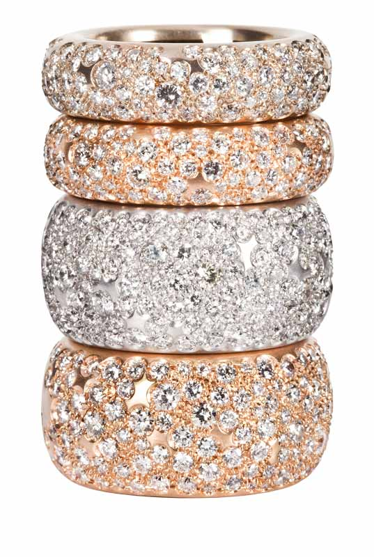 Diamond bands in white and rose gold by Fani Gioielli.