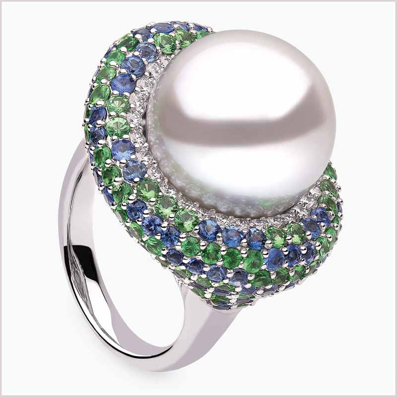 Figure 1: Ring by Yoko London with Australian South Sea cultured pearl (15 to 16 mm [0.5 to 0.6 in.]) encircled with sapphires, tsavorites, and diamonds.