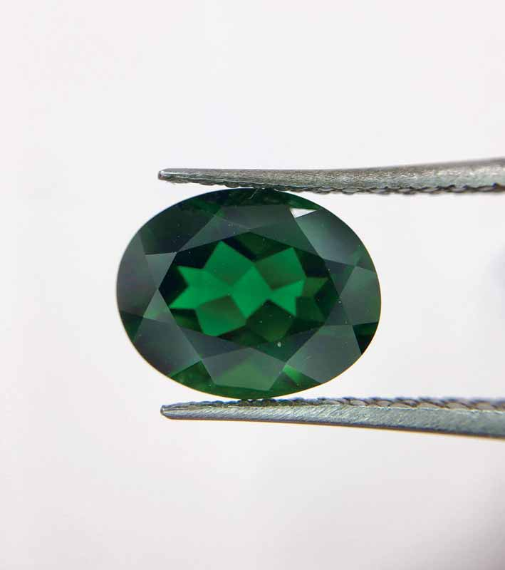 A 2.91-carat diopside. This gem offers the rich colour of emerald at a lower cost.