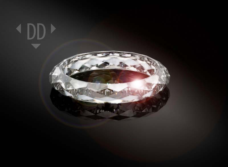 Dutch Diamond Technologies has created the world's first ring made entirely from a synthetic diamond.