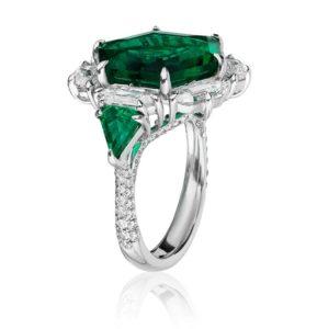 Best Use of Platinum Crown—Heena Shah, Valani
