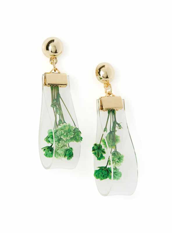 Sheer earrings with delicate dried flowers from Simons.