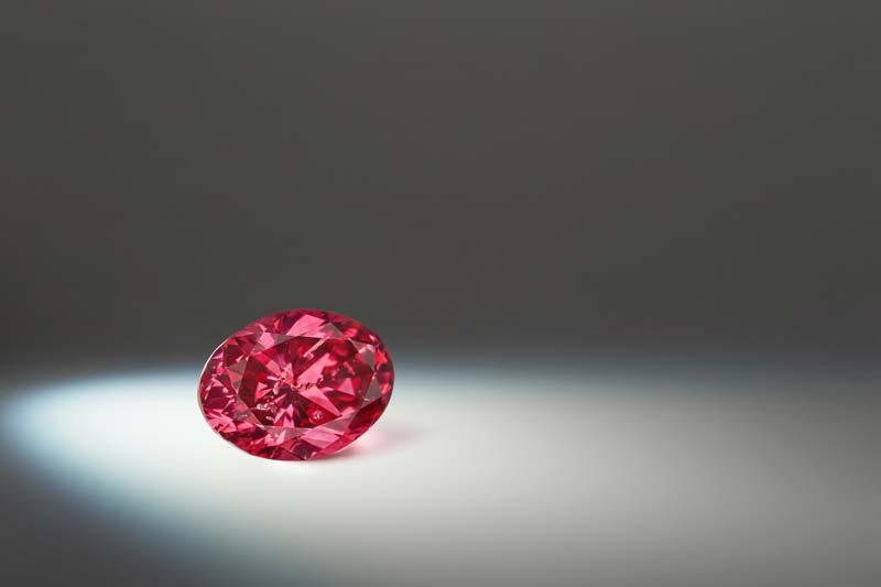 1.07-carat fancy red 'Argyle Avenoir' diamond.