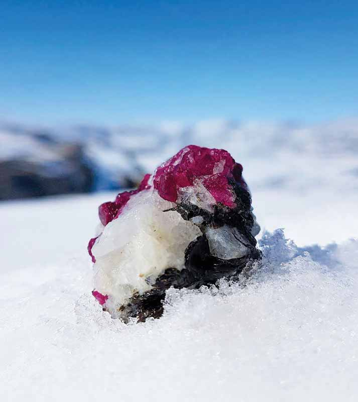 Greenland ruby rough on a host rock. Photo ©Vincent Pardieu for Greenland Ruby