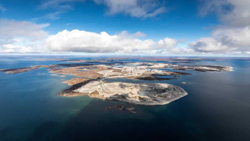 Diavik Diamond Mines, a wholly-owned subsidiary of Rio Tinto, is being sued by Dominion Diamond Mines, its 40 per cent partner in the NWT's Diavik diamond mine.