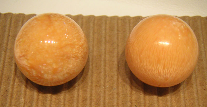 Two melo pearls (49 to 50 carats each), showing characteristic surface patterns (left) and flame structure (right). Photo courtesy Parvis Brown