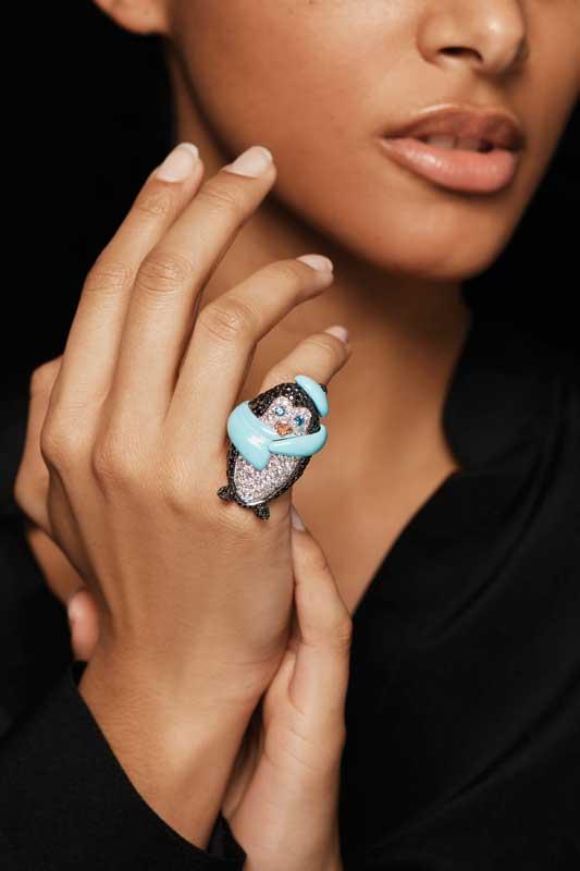 18-karat white gold ring by Fawaz Gruosi, set with 58 brilliant-cut white diamonds, 183 brilliant-cut black diamonds, two brilliant-cut paraïba topazes, 10 brilliant-cut orange sapphires, and turquoise ceramic. Photo courtesy Fawaz Gruosi
