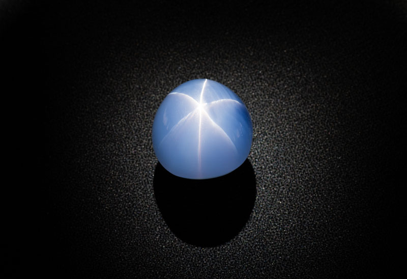 Weighing 563.35 carats, the Star of India is among the world's largest gem-quality blue star sapphires. Photo ©AMNH/D. Finnin